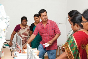 Aru forme une coopérative de femmes, Inde.